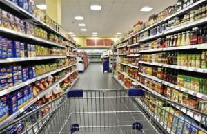 Regalservice im Supermarkt